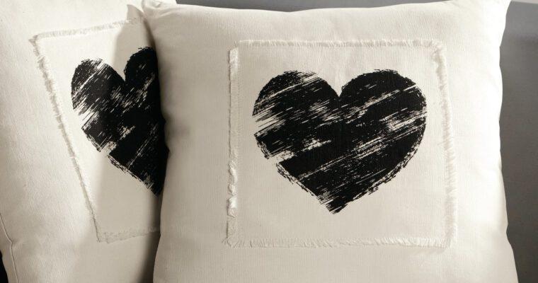 Kissen und Decken pflegen: nützliche Tipps und Tricks