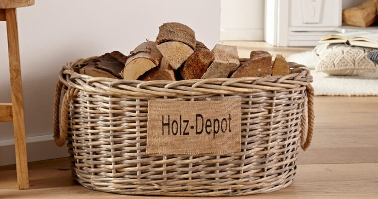 Holzkörbe & Holzständer als dekoratives Kaminzubehör
